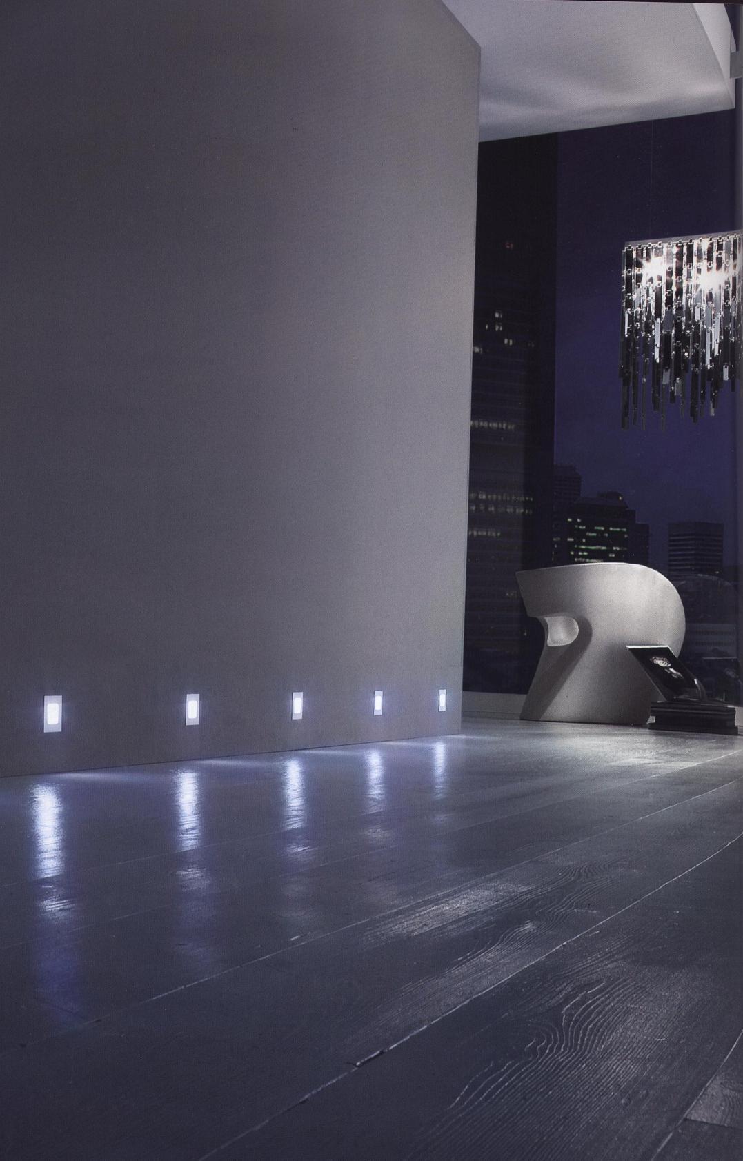 spot led dom pour balisage de plinthe ou escalier. Black Bedroom Furniture Sets. Home Design Ideas